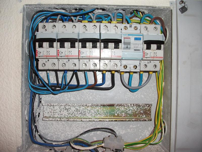 Title Main Consumer Unit : spanish wiring - yogabreezes.com