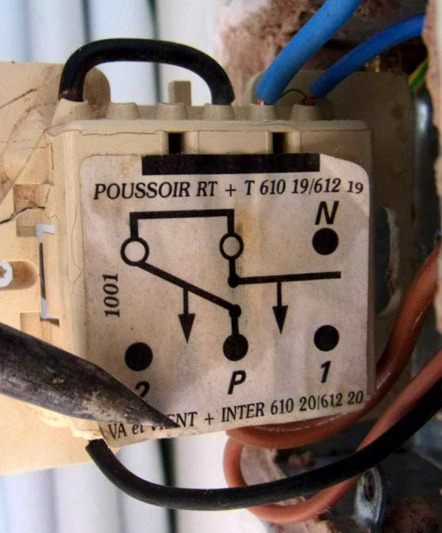 Ask The Trades - Electric AAwning Switch wiring help
